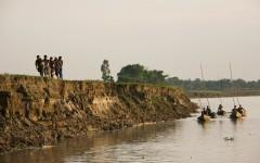 Flodbankserosion är vanligt i Bangladesh. ©Sujan Map/IPS
