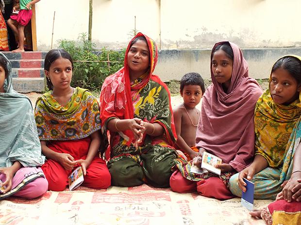 Flickor i Bangladesh kämpar för rättigheter