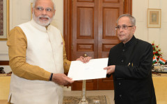 president-pranab-mukherjee-inviting-narendra-modi-to-form-government-after-2014-general-elections-in-india