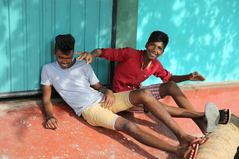 Leendena är fler i Sri Lanka 2015 och 2016, som i den här fiskebyn på Jaffnahalvön längst uppe i norr, som fortfarande bär på minnen från de svåra åren. Foto Johan Mikaelsson