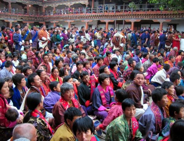 Bhutan var det sista landet i världen som introducerade TV-apparaten.©Michael Reeve
