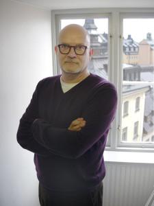 Mark Salter är forskare och författare baserad i Stockholm. Han har tidigare bland annat skrivit en bok om Polen.