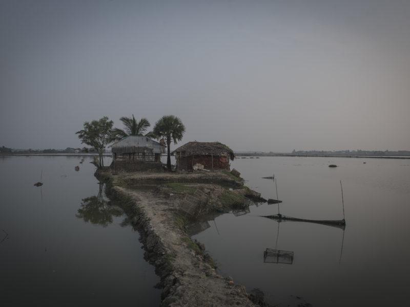 Gabura är en ö belägen i södra Bangladesh, just på gränsen till floddeltat Sundarban. Ön är hem åt 44 000 människor. Foto Troy Enekvist.