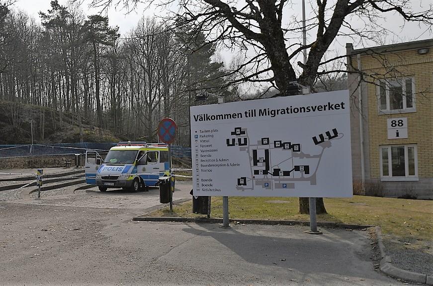 Välkommen till Migrationsverket. Alla som ansöker om asyl i Sverige får inte stanna. I varje enskilt fall ska en grundlig juridisk prövning av skyddsskälen göras. Foto: Johan Mikaelsson.