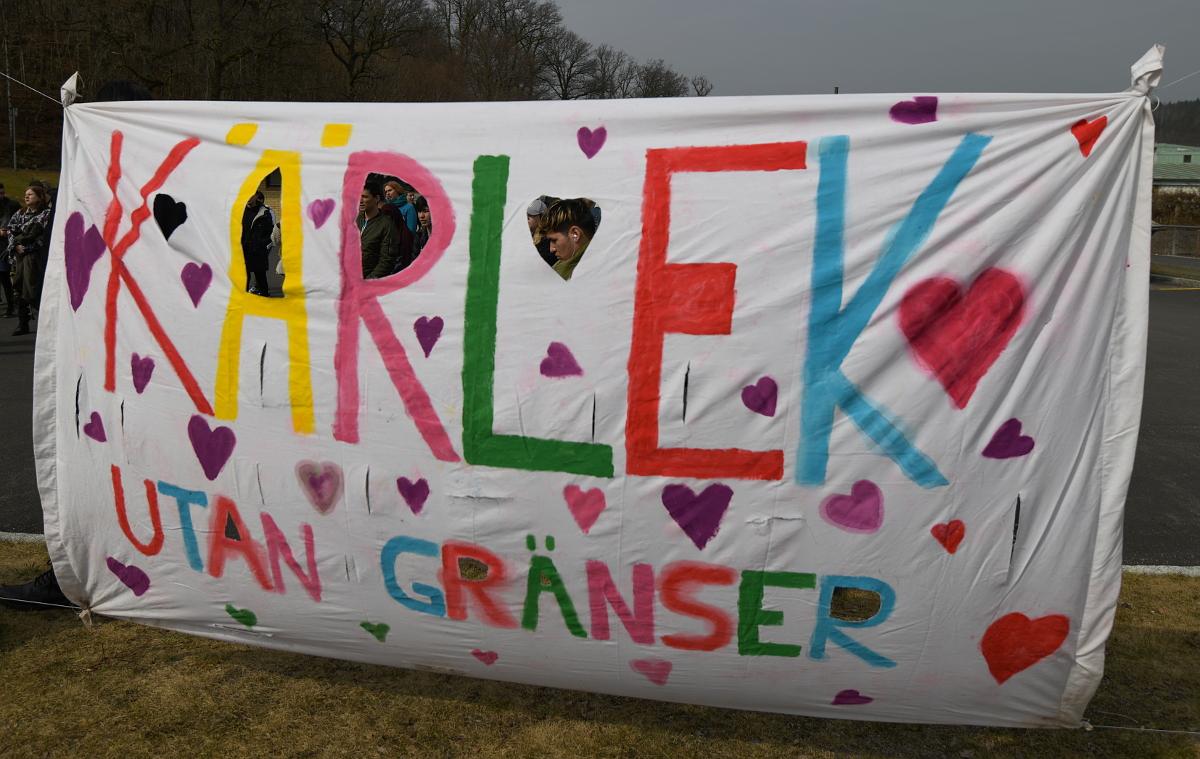 Banderollen har sitt tydliga budskap. Foto: Johan Mikaelsson