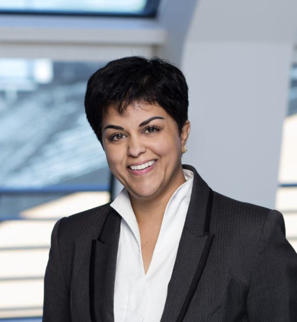 Parul Sharma, Människorättsaktivist och Sydasien-debattör.