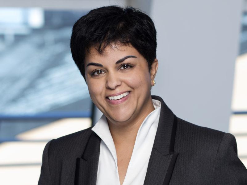 Parul Sharma, Människorättsjurist och Sydasien-debattör.