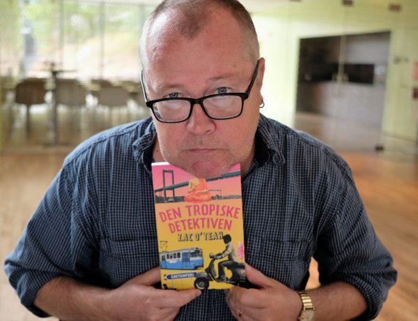 Författaren Zac O'Yeah är i Göteborg med en färsk roman i bagaget. Tredje kriminalromanen med detektiven Hari Majestic i huvudrollen utspelar sig i såväl Bangalore som Gautampuri. Zac berättar om boken i förlaget Verbals monter och på Biblioteks- och berättarscenen. Foto: Johan Mikaelsson