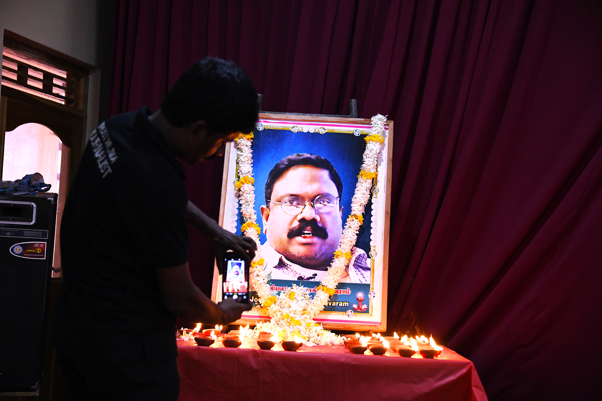 """Inte bara journalister uppmärksammade årsdagen av mordet på Dharmeratnam """"Taraki"""" Sivaram och protesterade samtidigt mot den totala straffriheten för journalistmord."""