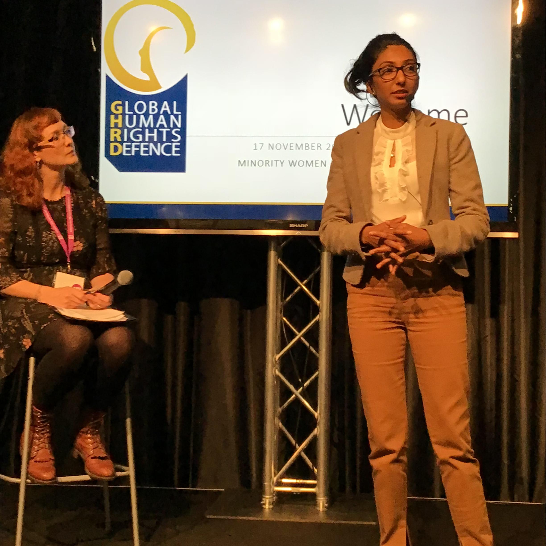 Radjni Gowri föreläser om minoriteters kränkta rättigheter i Bangladesh och Pakistan.Foto: Beat Lindberg