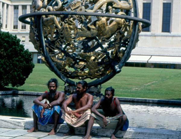 Fr. vä Uru Warige, Wanniya, Una Pana Warige Sudubana, Uru Warige, Kiribanda utanför FN:s högkvarter..