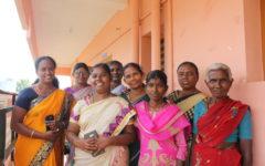 Hema, Dravida Mani, Shanthi, Seeniyammal, Tamil Selvi, Sofiya, Pandijothi och Nagalakshmi fra╠èn kvinnor i kvinnorättsgruppen i distriktet Dindigul, Tamil Nadu. Foto: Miriam Siemsen Rundberg