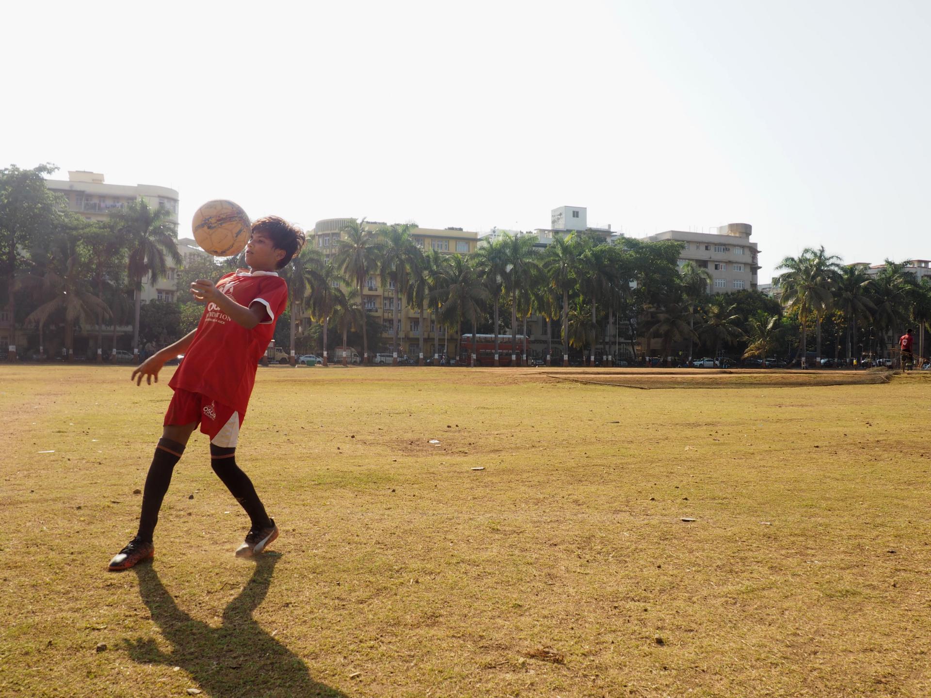 Mamta Prajapati hoppas att det i framtiden ska vara mer accepterat för kvinnor i Indien att spela fotboll. När hon kommer hem från Danmark vill hon inspirera fler att börja spela.Foto Karl Sundström