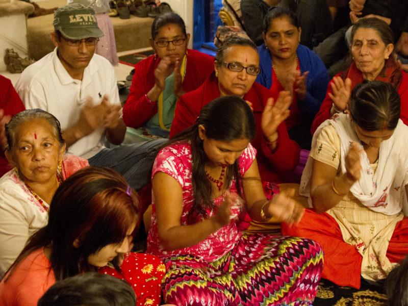 Lhotshampas utövar sina ritualer i exil i Nepal. Foto; Kevin Beaty, Flickr