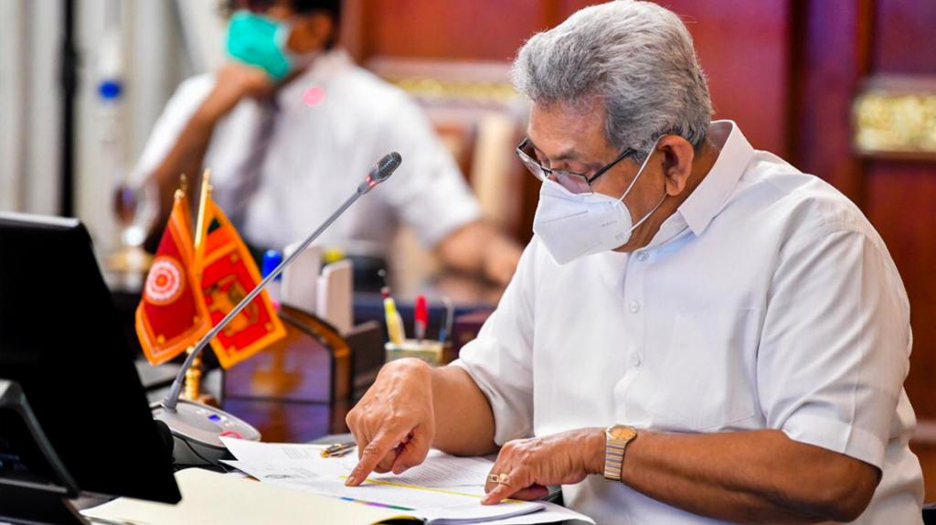 President Rajapaksa informerar sig